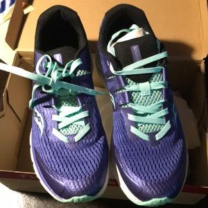 Girls Ride ISO Saucony Size 3.5 shoes purple